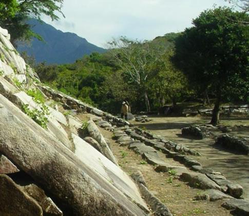 Zona Arqueológica Iglesia Vieja