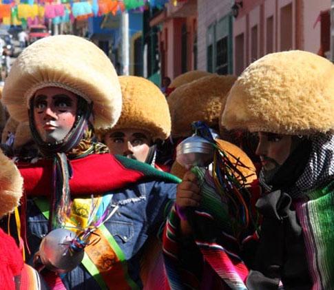 Los Parachicos en la Fiesta Tradicional de Enero de Chiapa de Corzo